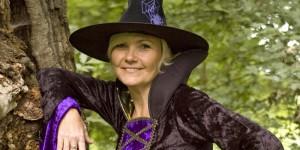Hexe Viola entführt Sie in Erfurts Welt der Sagen und Märchen